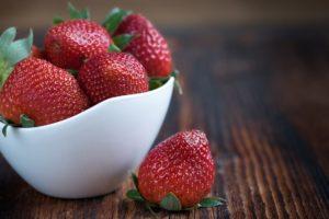 Bowl fo fresh strawberries